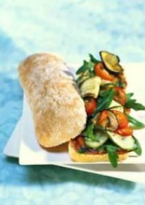 sandwich-vegetarien-aux-legumes-a-la-meridionale-_11017